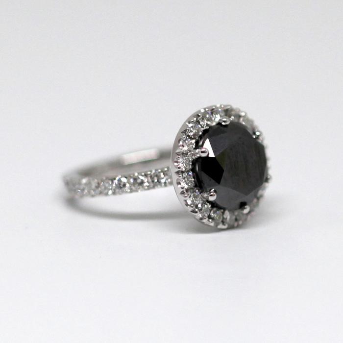 Vackra smycken av hög kvalitet