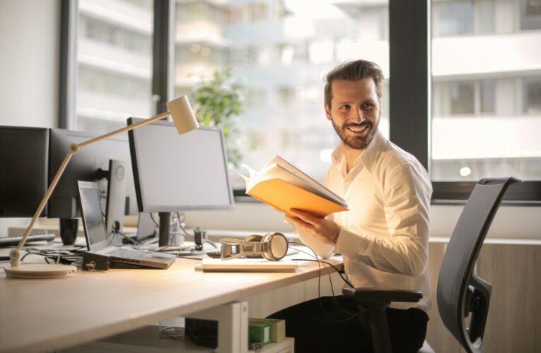 Ergonomiska hjälpmedel räddar dig från stillasittande jobb